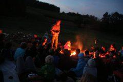 Jeden Abend: Lagerfeuer mit Geschichte